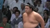 ●名古屋場所3日目。 パープル名古屋さん。 ●しょんぼり魁皇関。あと1勝が… ●安定している横綱。 ワーオ、いっちょめいっちょめ…な手。