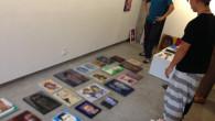 ●展示の搬入になんとか間に合いました。 14時集合で全部仕上がったのが12時。 それでも自分のスペース部分は1点しか仕上がってませんが、 とりあえずみんなでテーマを決めた部分は出来上がりました! そしてよりによって搬入時 […]