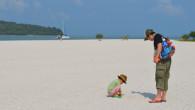 ●ホテル内にあるプール。広くて綺麗です! ●ホテルに直結しているビーチ。 とんでもなく広いです。 でも長男坊がプールがいいということで海に入れず… まあとにかく熱いです。 乳幼児もぐったりなので長時間外に […]